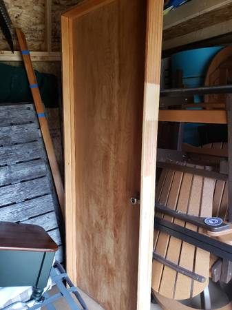 Photo 28 inch wood interior door - $15 (Cross lake)