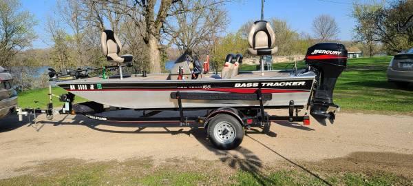 Photo Bass Tracker Pro Team 165 - $8,900 (Gibbon)