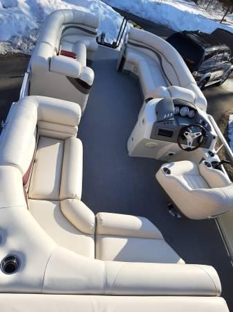 Photo Bennington pontoon - $20000 (Nisswa)