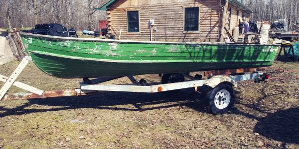 Photo Boat Starcraft 16 foot and Sterling trailer - $750 (Laporte)