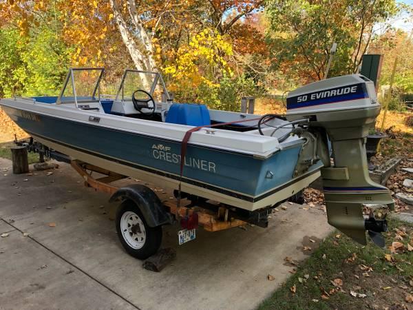 Photo Boat  Motor Crestliner Muskie 440 wEvinrude 50 - $750 (Baxter)