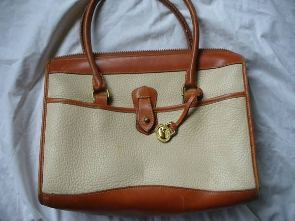 Photo Dooney and Bourke authentic purse - $25 (Brainerd MN)