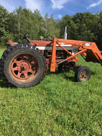 Photo Farmall 460 international  with Dual 320 Loader - $2,295 (Pierz)