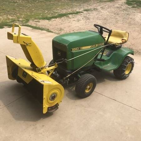 Photo John Deere 160 tractor with snowblower - $1,200 (breezy point)