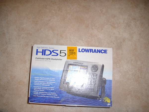 Photo Lowrance HDS 5 - $250 (brainerd)