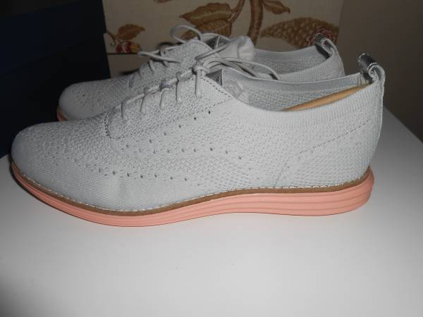 Photo NEW Womens Size 9.5 Cole Haan Wing Tips Shoes - $40 (Lowry Hill Minneapolis)