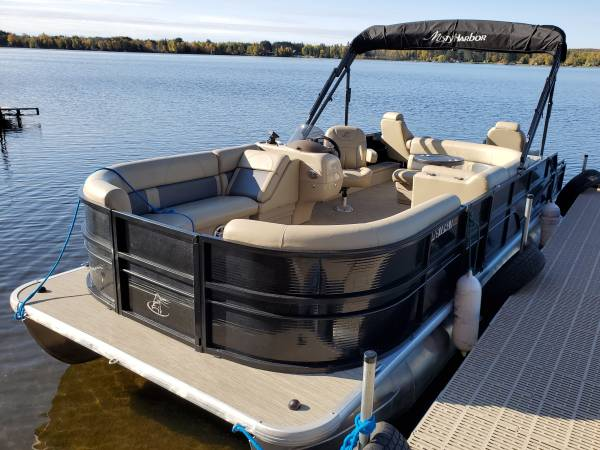 Photo Pontoon Boat Rentals with Deliveries and Pick-Ups for Reasonable Rates - $200 (Northern Minnesota)