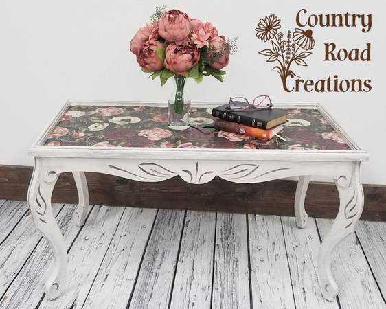 Photo Refinished Vintage Wood CoffeeAccent Table - One of a Kind - $135 (Pequot Lakes)