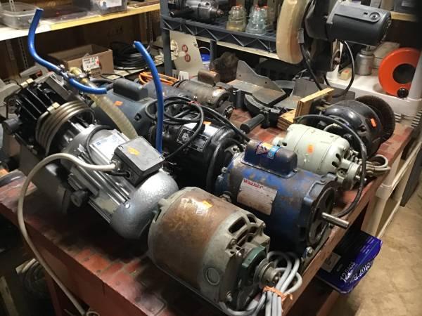 Photo SELECTION OF ELECTRIC MOTORS (Pequot Lakes)