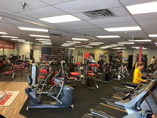 Photo Snap Fitness on County Road 101 N For Sale - $39,500 (Plymouth)