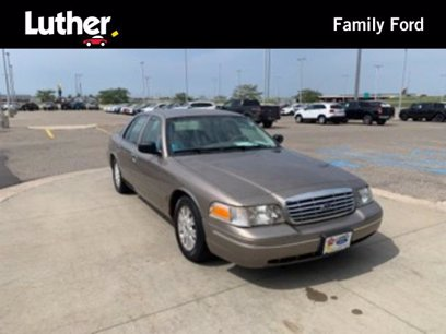 Photo Used 2004 Ford Crown Victoria LX for sale