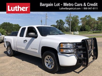 Photo Used 2011 Chevrolet Silverado 1500 4x4 Extended Cab LS for sale