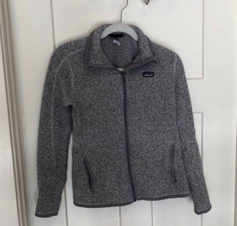 Photo Womens Patagonia Zip Up - $75 (Brainerd)