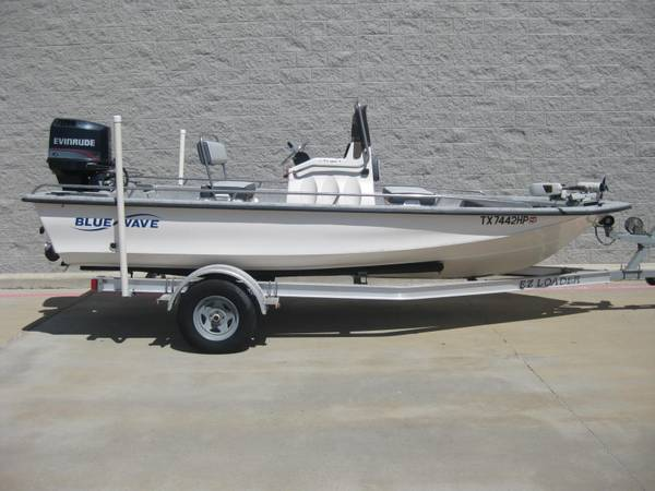 Photo 1995 Blue Wave 189 Super Tunnel with Evinrude 150- ONE OWNER - $10,500 (Corpus Christi)