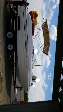 Photo 1996 Four Winns 330 hp 24ft Lake Ready Boat - $8,500 (San Antonio)