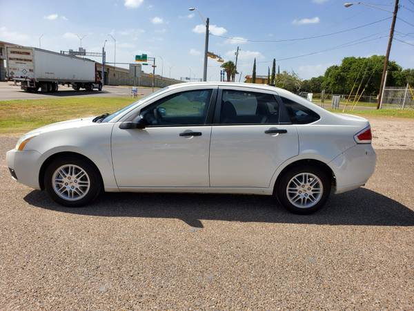 Photo 2010 Ford Focus $1000 Downenganche - $3,850 (Brownsville)