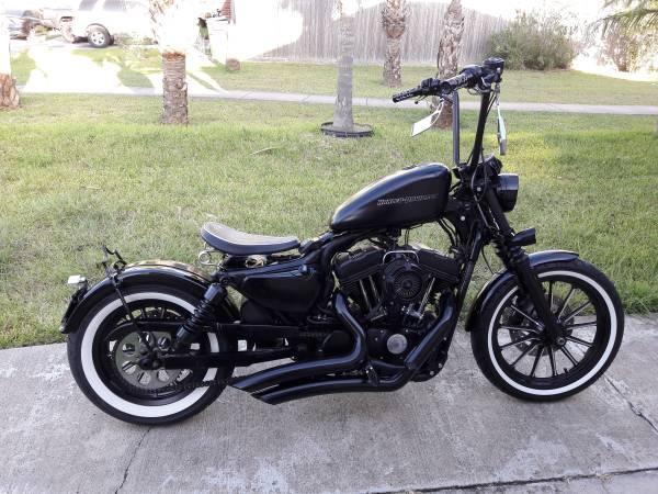Photo 2012 Harley Davidson Custom Bobber under 5k miles Like New - $5500 (Brownsville)