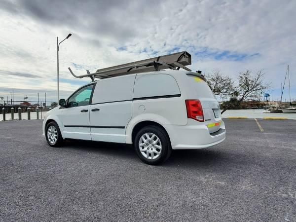 Photo 2014 Dodge Ram Tradesman Work Van Exc Cond THOUSAND IN EXTRAS - $7995 (Port Isabel)
