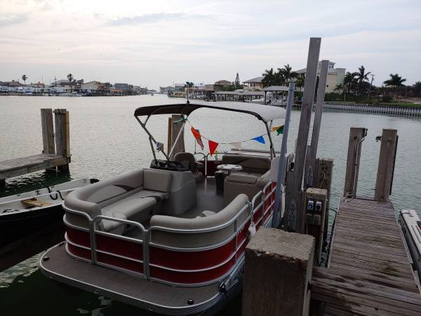 Photo 2016 g3 20ft pontoon boat - $17200 (Port isabel)