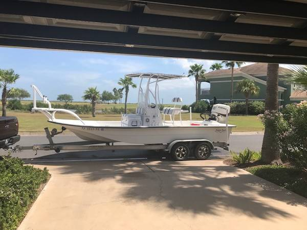 Photo 2017 21 ft Shallow Sport - $56,000 (Laguna Vista)