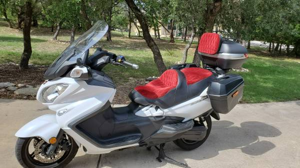 Photo 2018 Suzuki 650 Burgman Scooter - $9,990 (Canyon Lake)
