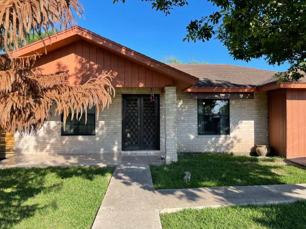 Photo House for sale need bank mortgage (Brownsville)
