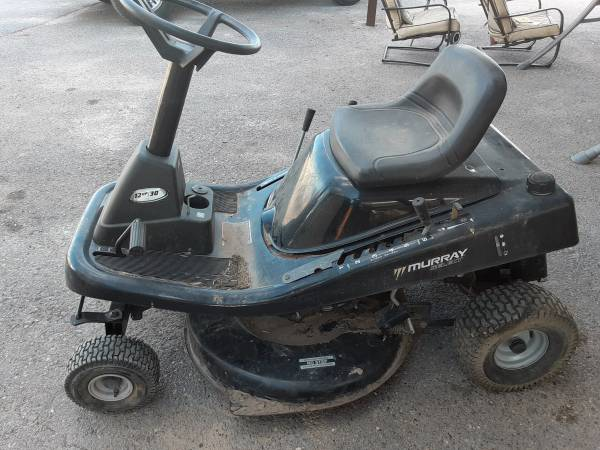 Photo Murray Riding Mower - $125 (Mission)