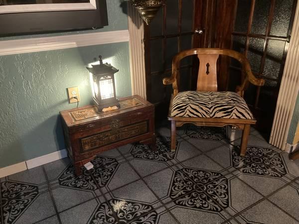 Photo Oriental Furniture (San Juan tx)