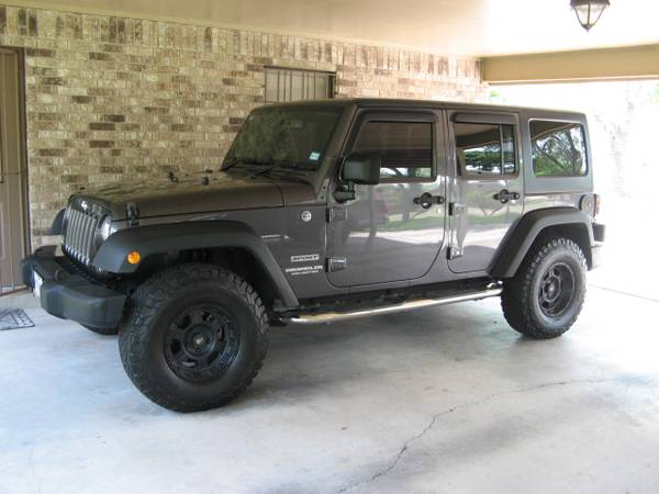Photo RHD 2014 Jeep Wrangler Unlimited Sport Hard Top - $26000 (San Benito)