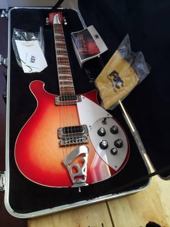 Photo Rickenbacker 620 Fireglo Guitar 2020 - $1,500 (SAN ANTONIO)