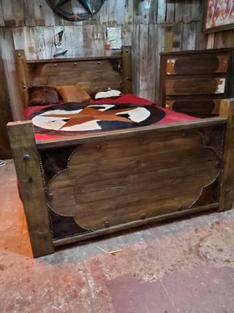 Photo Rustic Furniture and whiskey barrels - $11,111 (Edinburg)