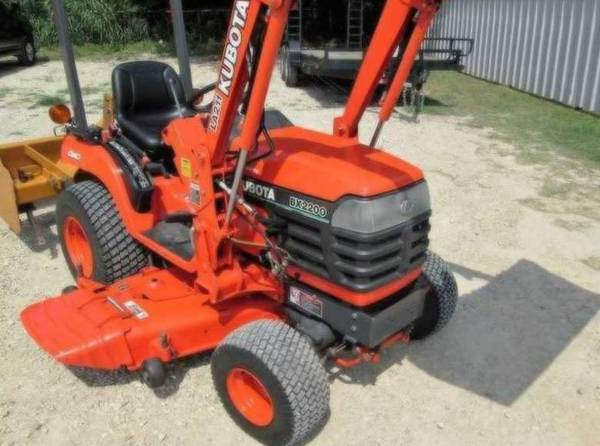 Photo Should to go off pretty quick tractor Belly Mower - $1,050 (Brownsville)