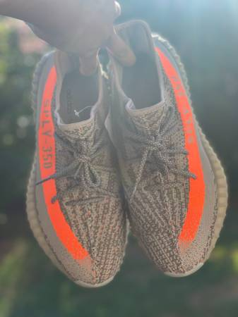 Photo Size 10 adidas Yeezy Boost 350 V2 Beluga - $320 (San Antonio)