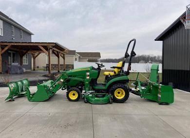 Photo Used John Deere 1025r 24 hp Tractor - $1,288 (Spring)