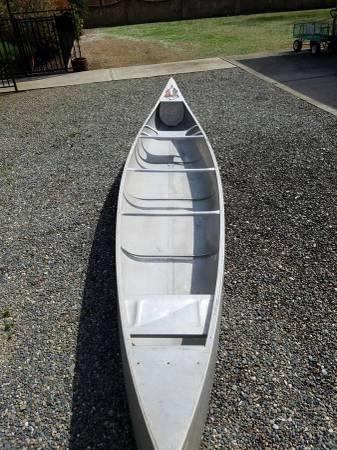 Photo Vintage 17ft Grumman aluminum Canoe Free (Brownsville)