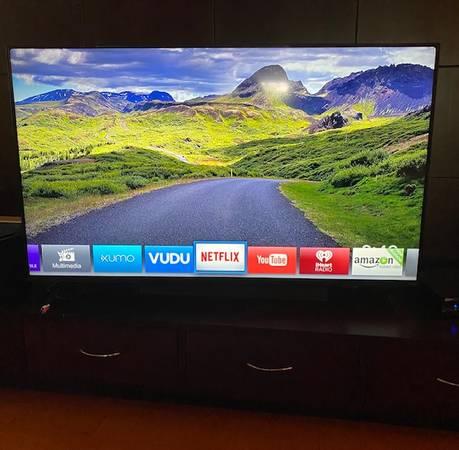 Photo Vizio TV 60 pulgadas Smart TV - $390 (Brownsville)