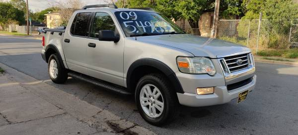 Photo 2009 FORD EXPLOR SPORT TRAC  6 CYL  SEMI NEW TIRES LIKE NEW - $5590 (1193 INTERNATIONAL BLVD BROWNSVILLE TX)
