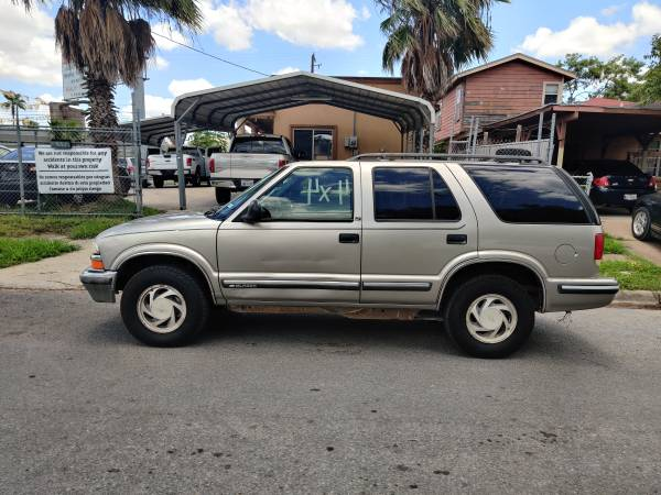 Photo CHEVROLET BLAZER  4X4  SEMI NEW TIRES $$ 1,590 CASH $$$ - $1590 (1193 INTERNATIONAL BLVD BROWNSVILLE TX)