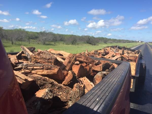 Photo Fire Wood seasoned Mesquite  Oak FireWood 4 Bbq - $160 (Lytle)