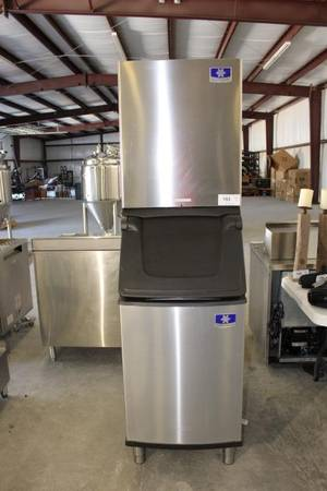 Photo HUGE RESTAURANT Equipment AUCTION (Tyler)