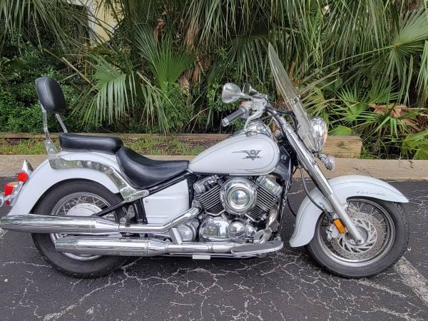 Photo 2009 Yamaha V Star 650 - $2,800 (Jacksonville Beach)