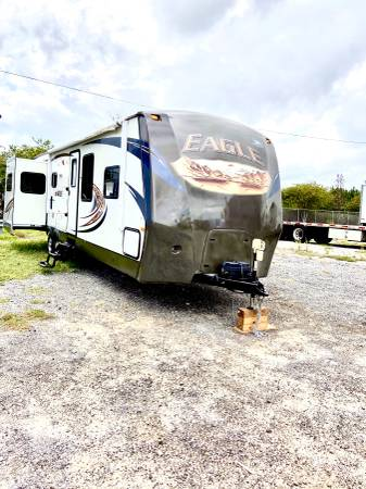 Photo 2014 Jayco eagle 34ft travel trailer with three Slide outs mint cond  - $22,000 (Davenport , FL)