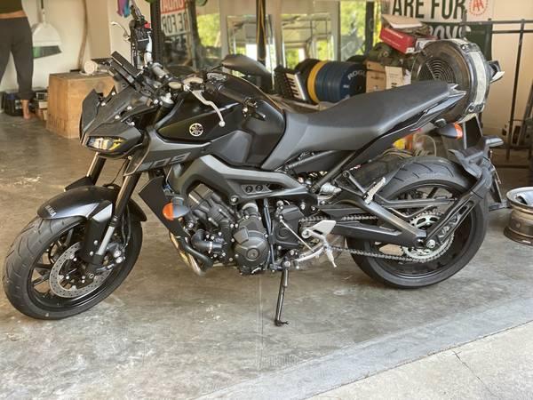 Photo 2018 Yamaha MT-09 for sale - $7,500 (Savannah)