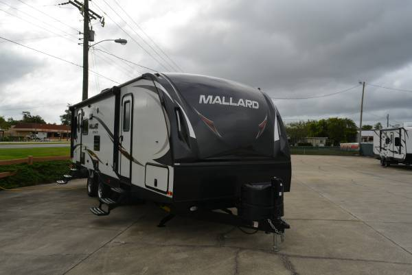 Photo 2019 Mallard M27 Travel Trailer - $19,000 (St Augustine)