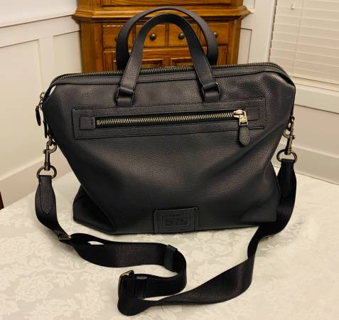 Photo COACH Mens Leather BriefcaseShoulder Bag - $100 (Richmond Hill, GA)