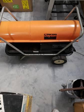 Photo Dayton 110 BTU Forced Air Kerosene Portable Heater - $295 (Brunswick)