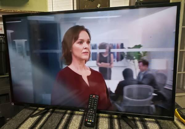 Photo Haier 40-inch 1080p LED TV. 3x HDMI - $60 (NW Arlington, Jacksonville)