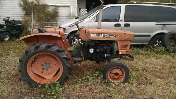 Photo Kubota Tractor B8200 - $3,000 (Waverly Ga)