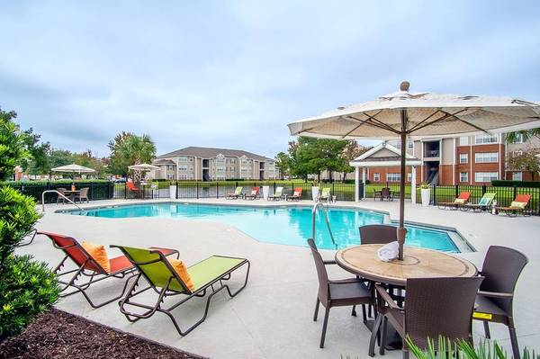 Photo Now Preleasing for the Summer (104 Eagles Point Dr Brunswick, GA)