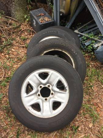 Photo REDUCED 2007-13 Toyota Tundra steel wheels and tires - $75 (Saint Marys GA)